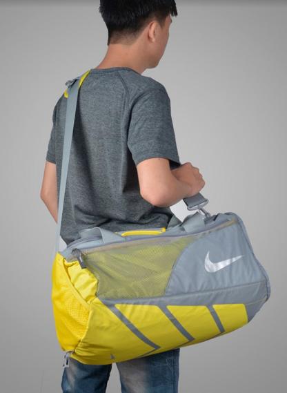 Nike Ultimatum Small Duffel2